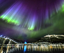 3_The-northern-lights-dancing-over-Tromso.jpg